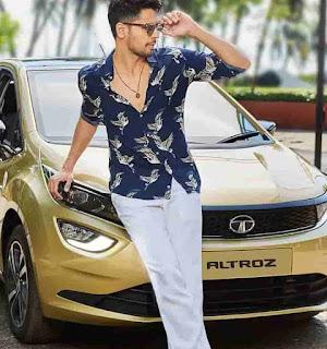 Sidharth Malhotra With Altroz Car