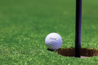 كيف تلعب الجولف
