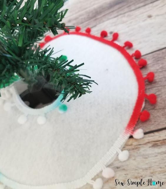diy mini christmas tree skirt