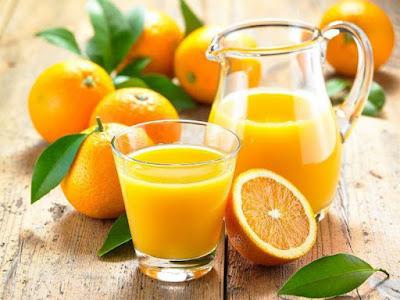 Bà bầu có nên uống nước cam hay không?
