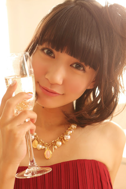 Ogino Karin 荻野可鈴 First X'mas Images 11