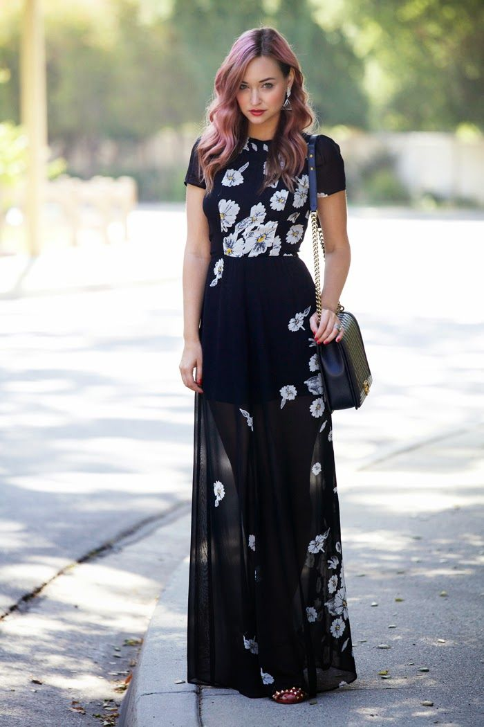 6c907ddfe070 Street style floral prints maxi dress with pink hair