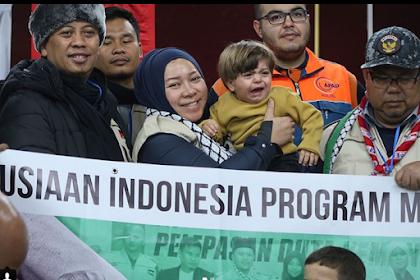 Salam dari Indonesia! Mengharu Biru, Video Pertemuan Melly Goeslaw dengan Pengungsi Palestina