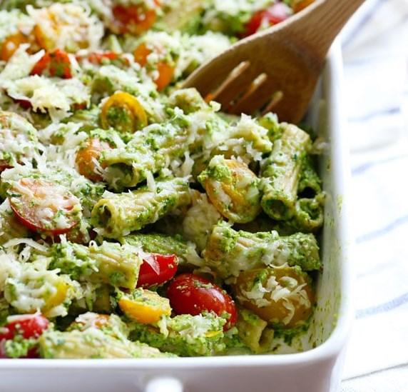Healthy Baked Pesto Rigatoni #vegetarian #comfortfood