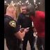 Nos EUA, policiais algemam homem negro sem olhar seus documentos e descobrem que ele é do FBI; veja o vídeo