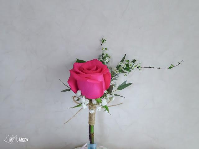 玫瑰新郎襟花