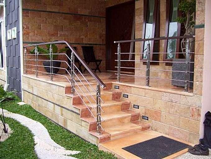 82 Contoh Desain Tangga Depan Rumah Yang Bisa Anda Tiru