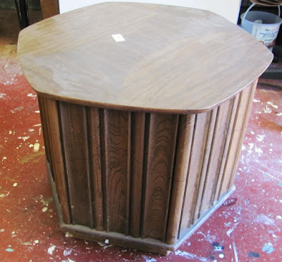 diy round end table into dog bed