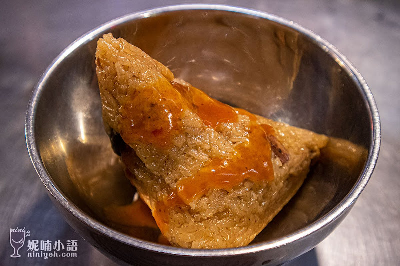 【寧夏夜市美食】豬肝榮仔。銅板小吃數度蟬聯必比登推薦