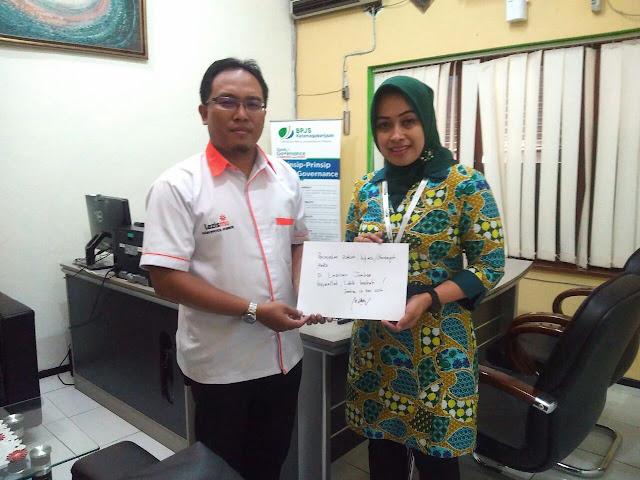 Direktur Lazismu Jember bersama Kepala BPJS Ketenagakerjaan Cab. Jember