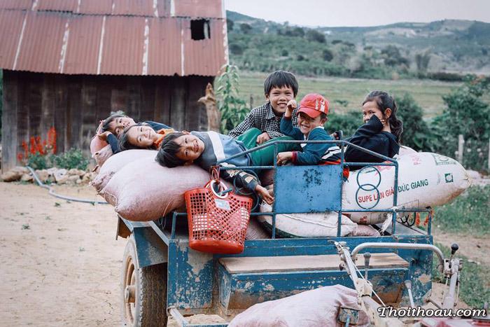 Bộ ảnh nụ cười hồn nhiên của những cô cậu bé vùng cao nguyên Đà Lạt