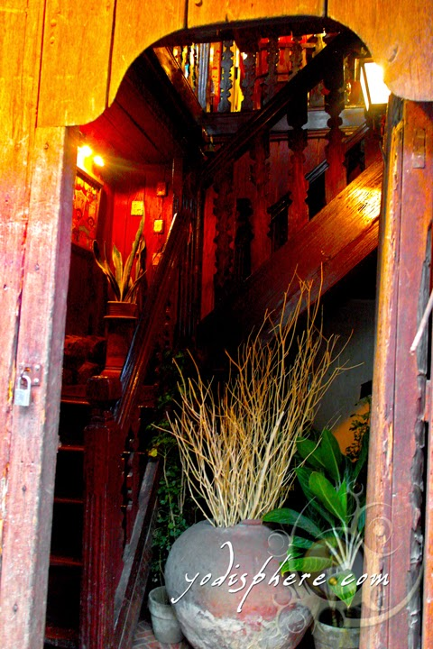 hover_share Wooden entrance of the Casa de Don Emilio Cafe and Restaurant