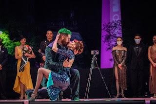 Los campeones mundiales 2021 de Tango Escenario Emmanuel Casal y Yanina Muzyka