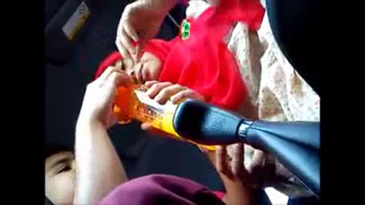 Video Cewek Perawan Berjilbab Mesum Dalam Mobil