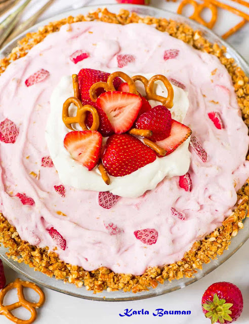 Strawberry yogurt Pie with cracker Crust