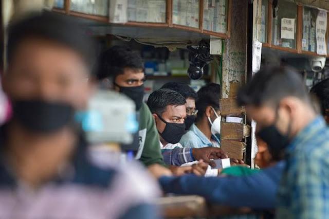 लॉकडाउन में अब जल्द किताब, मोबाइल रिचार्ज और बिजली के पंखे की खुलेंगी दुकानें
