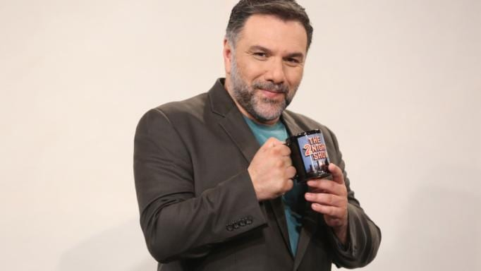 """Ο Γρηγόρης Αρναούτογλου απαντά για το """"The 2night Show"""" – Υπάρχει λίστα """"κομμένων"""" καλεσμένων;"""