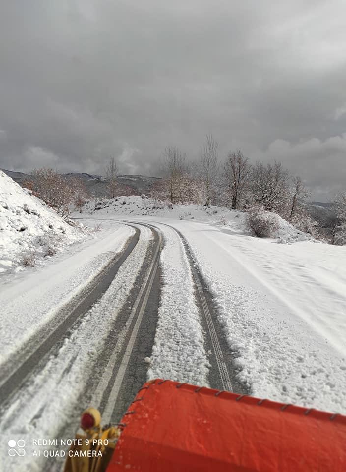"""Πυκνή χιονόπτωση στην ορεινή Ξάνθη """"άσπρισε"""" τα πάντα [ΦΩΤΟ]"""