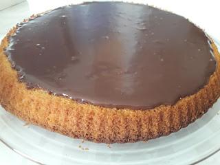 Tart Kalıbında Çikolata Soslu Kek