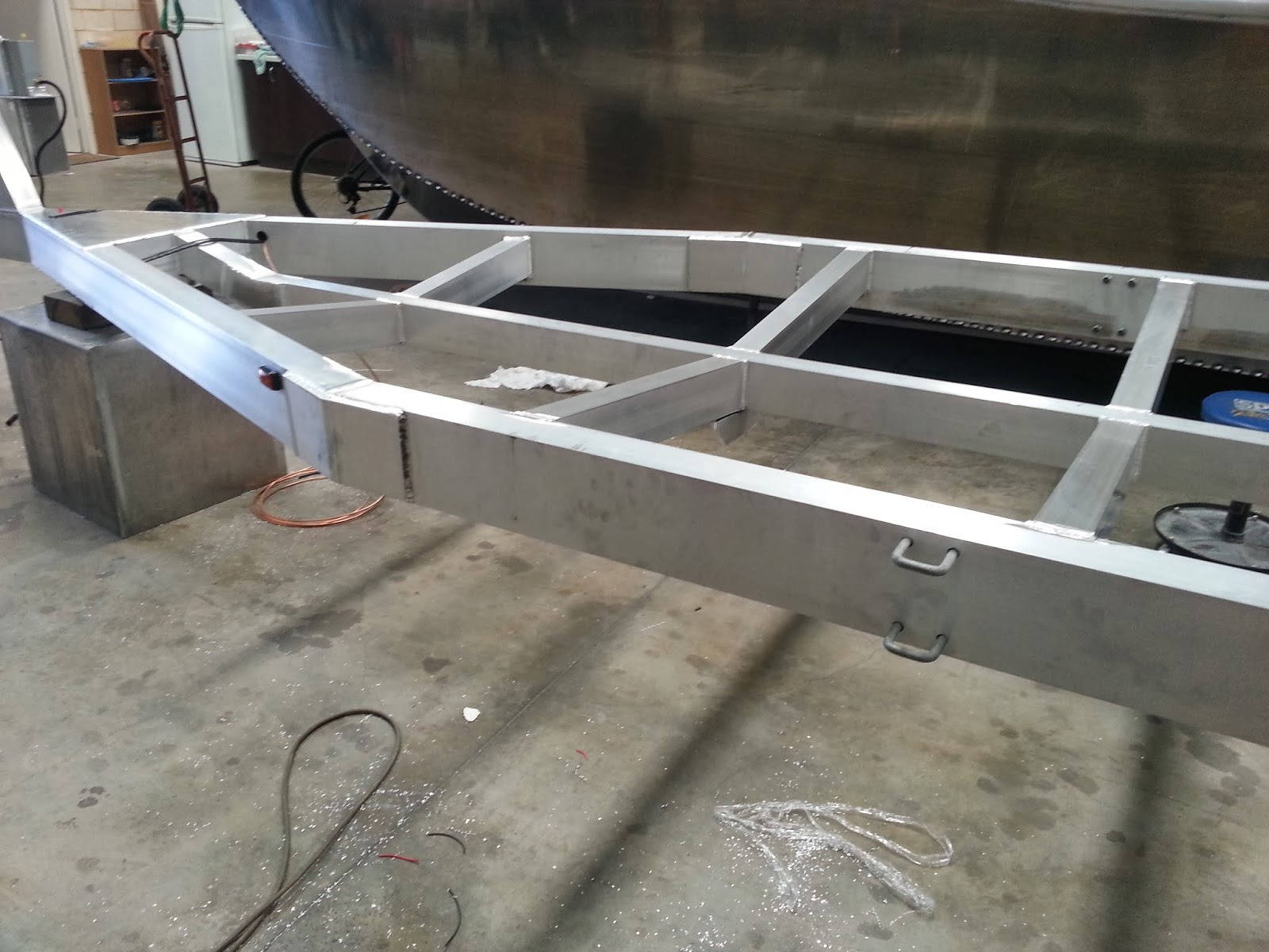 Building an Aluminium Plate Boat: The build starts