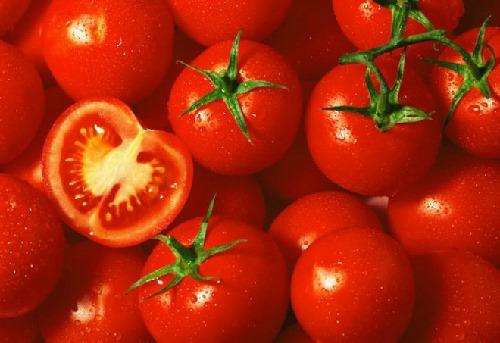 Làm trắng da mặt tại nhà với 6 cách đơn giản từ cà chua