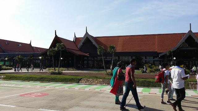 Terminal de llegadas internacionales aeropuerto de Siem Reap (Camboya)