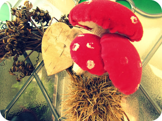 Decorative toadstools