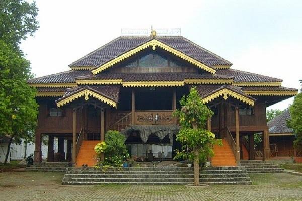 Gambar rumah adat Bengkulu (Rumah Rakyat)