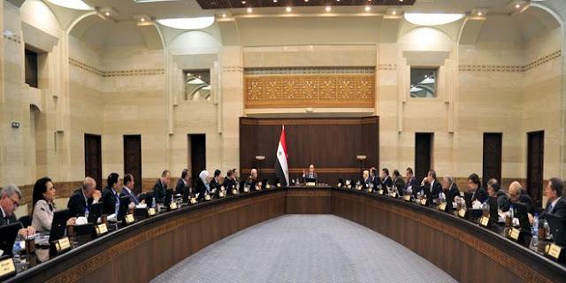 قانون تثبيت العاملين المؤقتين بموجب عقود سنوية للنقاش في مجلس الوزراء