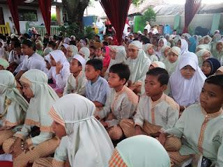 Suasana SDN Ratujaya 1 dalam menyaksikan Maulid Nabi Muhammad SAW