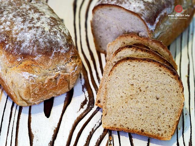 Chleb pszenno-żytni na miodzie