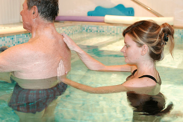 Hydrotherapy  Why you should try it for your low back pain -1 (2)
