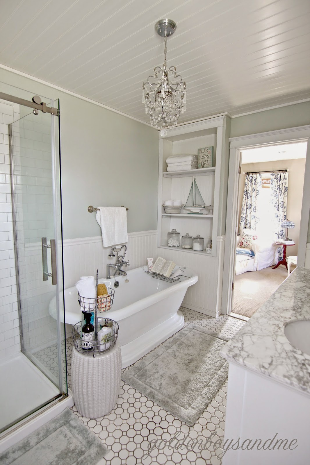 Golden Boys and Me: Revisiting the Master Bathroom & Our 2 ... on Small Bathroom Ideas Pinterest id=30756
