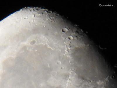 Zoom pe Luna fotografie Nikon,