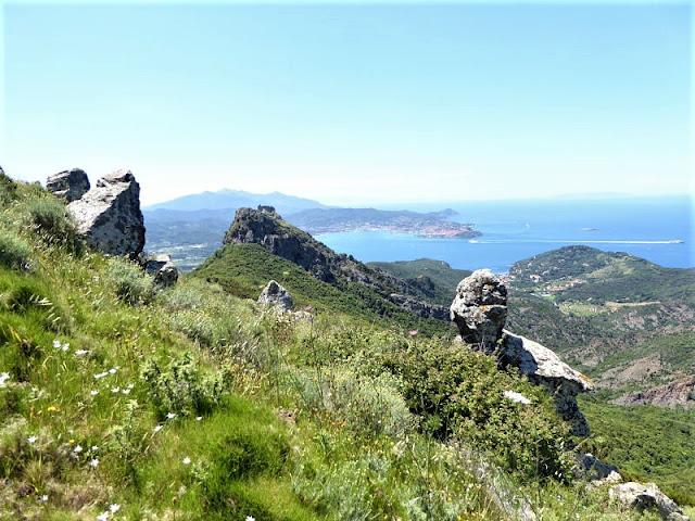 castello del volterraio e panorama su Portoferraio