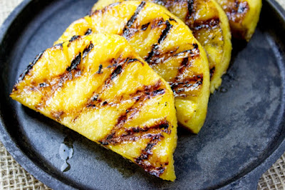 Abacaxi Grelhado com Açúcar Mascavo (vegana)