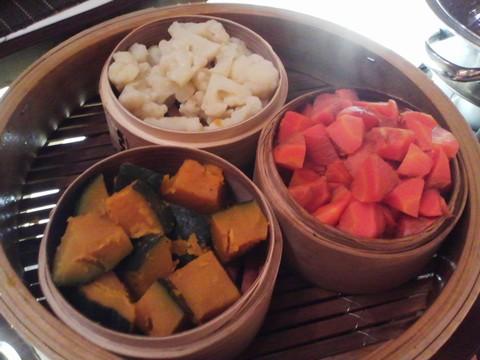 ビュッフェコーナー:蒸し野菜 ホテルエミシア札幌カフェ・ドム