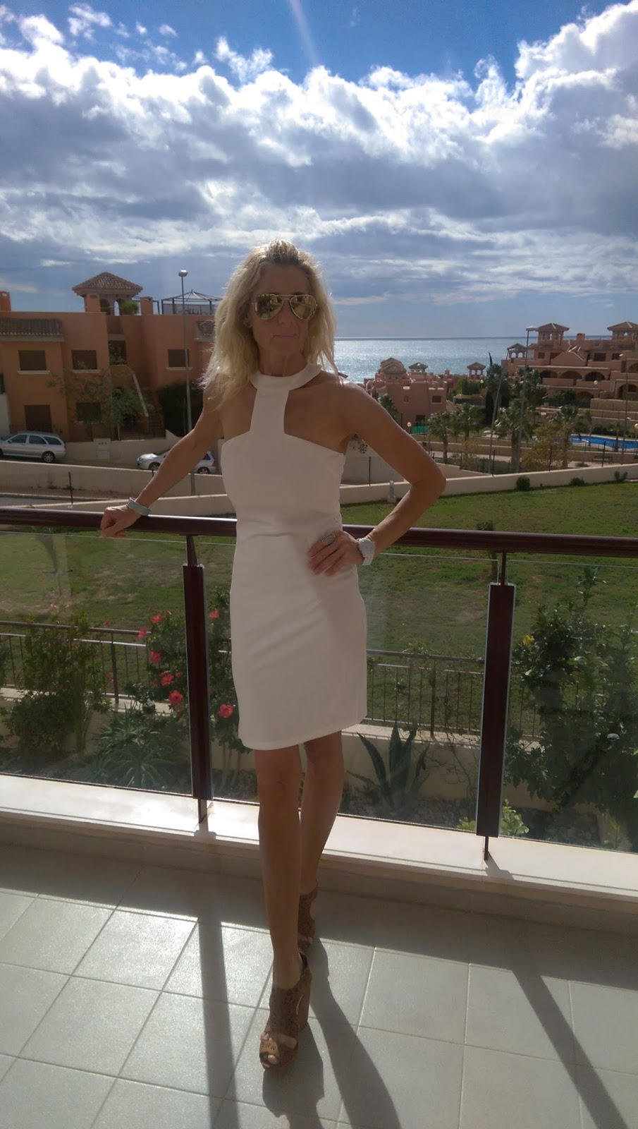 White Dress by Luxemme Dovilefashion