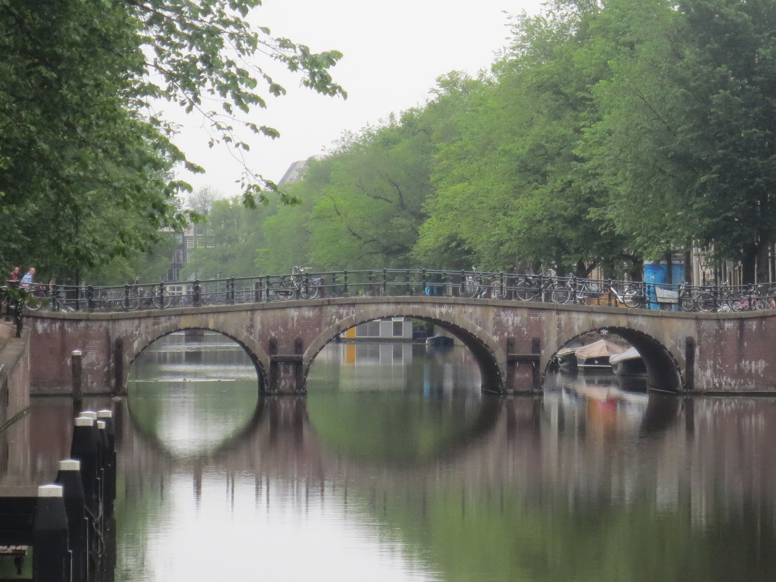 Puente Amsterdam