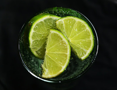Lemon water for belly fat reduction