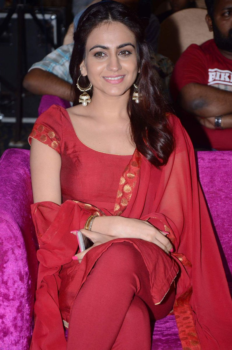 Actress AkshaPardasany Latest HD Images