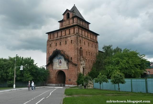 Коломенский кремль - Пятницкие ворота