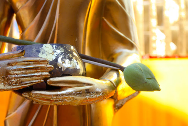 59 Phật dạy: 7 loại người chỉ nên bắt tay xã giao, tuyệt đối không kết bạn