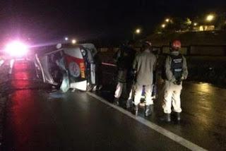 Capotamento de viatura deixa policiais feridos em João Pessoa