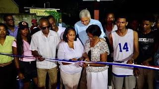 Alcalde Nelson Guillèn entrega cancha de baloncesto en Niza