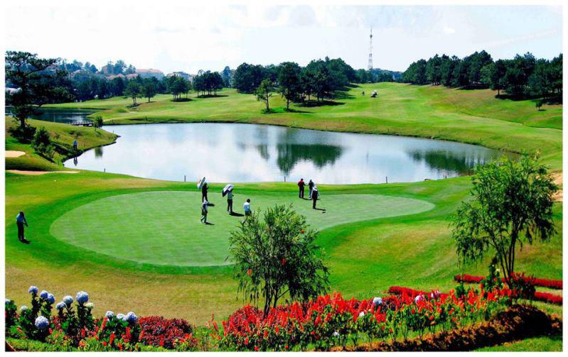 Cứ 2 tuần, có thêm 1 sân golf được cấp phép ở Việt Nam