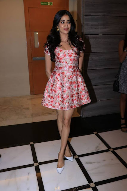 Jhanvi Kapoor  IMAGES, GIF, ANIMATED GIF, WALLPAPER, STICKER FOR WHATSAPP & FACEBOOK
