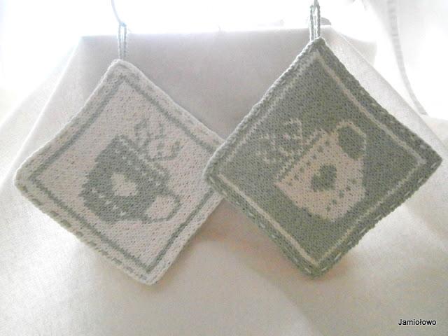 wzór żakardowy wyrabiany na drutach