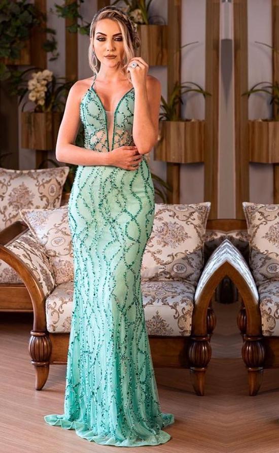 Vestido verde claro para madrinha e formanda