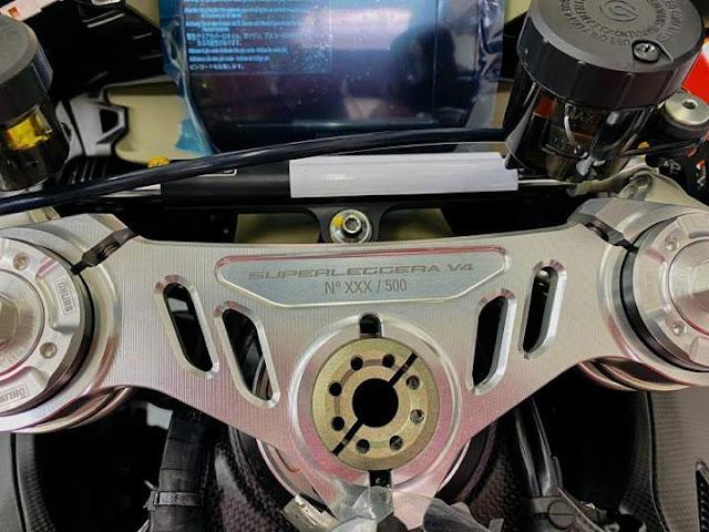 Plat Nomer Seri di Rangka Ducati Superleggera V4 Limited Edition